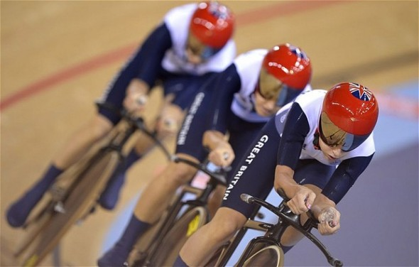 Laura Trott, Dani King and Joanna Rowsell in full flow